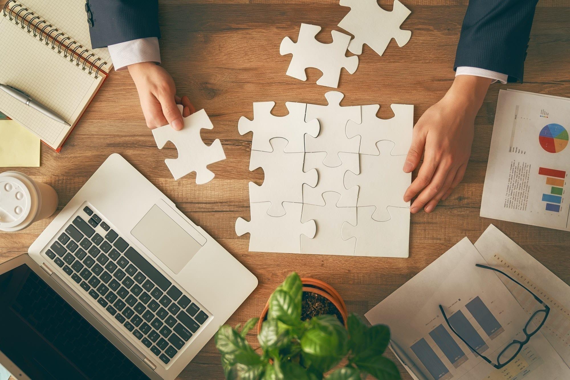 Concept of business strategy, formulate a plan, team spirit